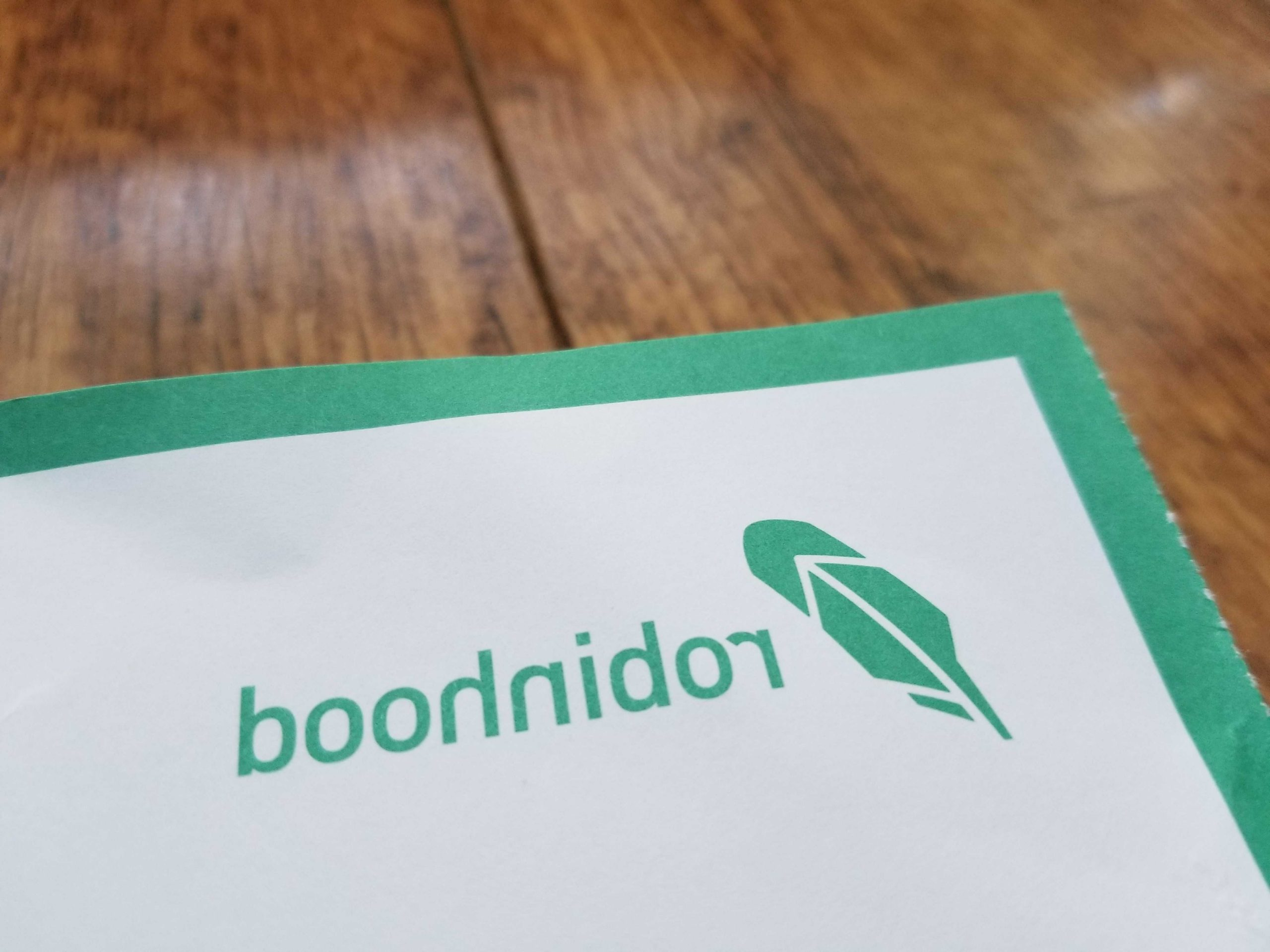 Robinhood, Schwab among the online brokers affected by service disruptions