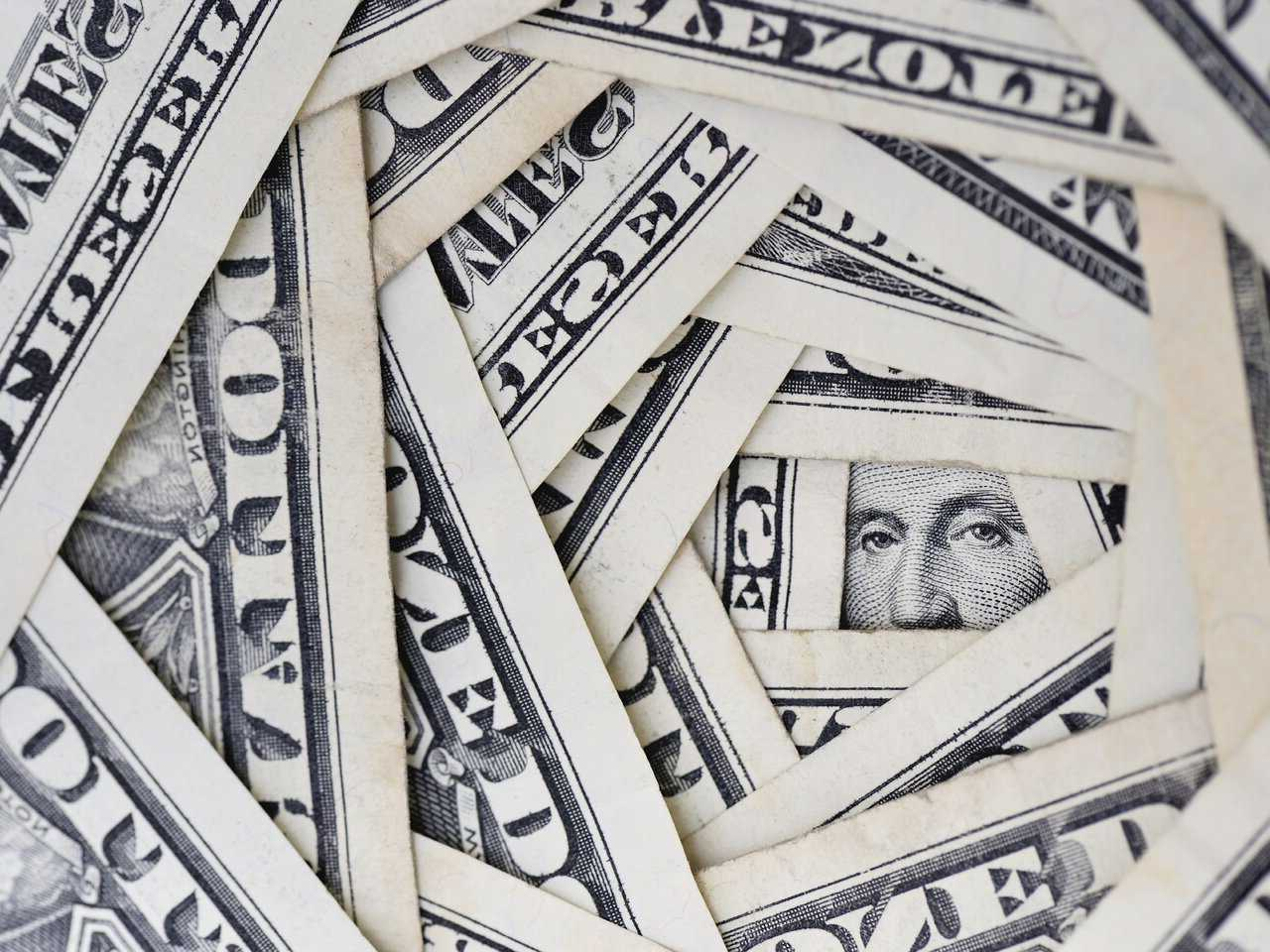 Why is the US dollar getting stronger?